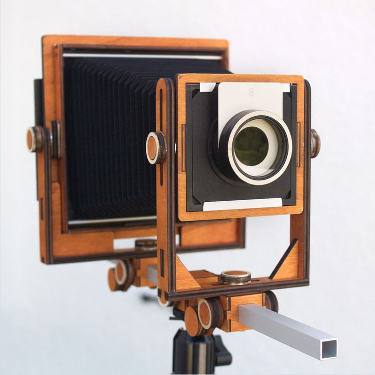 #lasercut wood large format camera from Michelangelo Neri Orliani. Laser cutting gets new perspectives!