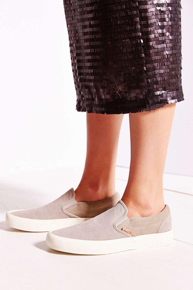 vans womens classic slip-on sneakers