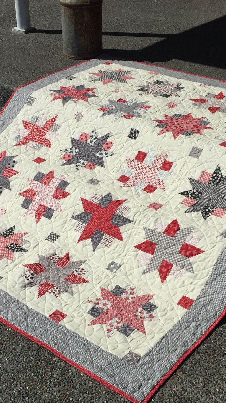 Ribbon Star Quilt - MSQC pattern. Sweetwater fabrics. WSU Cougars colors -