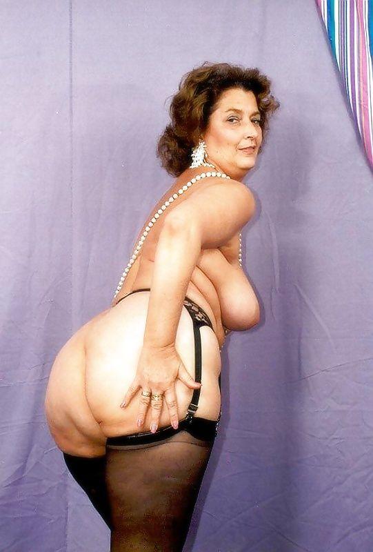 Erotic granny pics