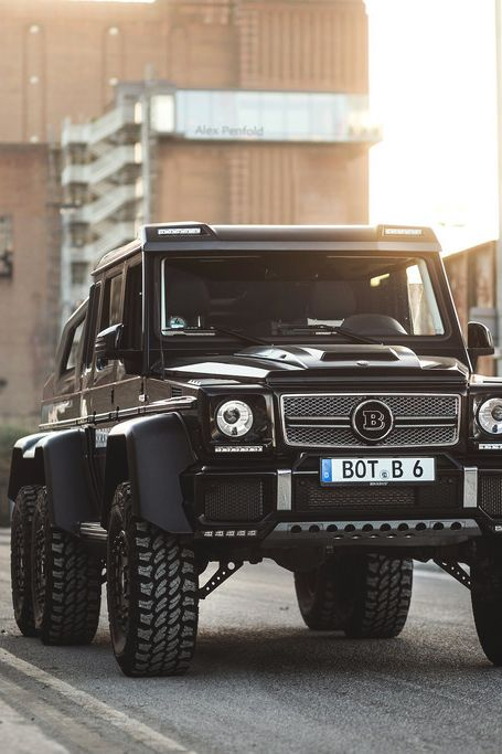 BRABUS X6 IS ONE AWESOME TRUCK BUT .....you would have to be a bit of an asshole to own one