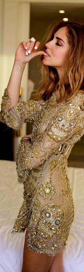 Valentino Dress. Oh my god it has skulls. I want this .