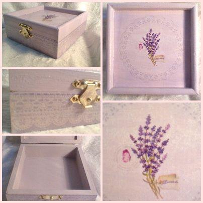 Nagyon finom, nagyon elegáns, visszafogott pasztell színű levendulás doboz. 11 x 11 x 4,5 cm 2,400 Ft