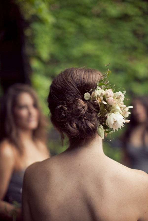 low bun with fresh flowers  Photography by isabelleselbyphotography.com, Floral Design by saipua.com