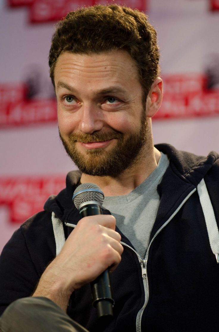 fyRossMarquand - abbrre: Ross Marquand at Walker Stalker Con in...