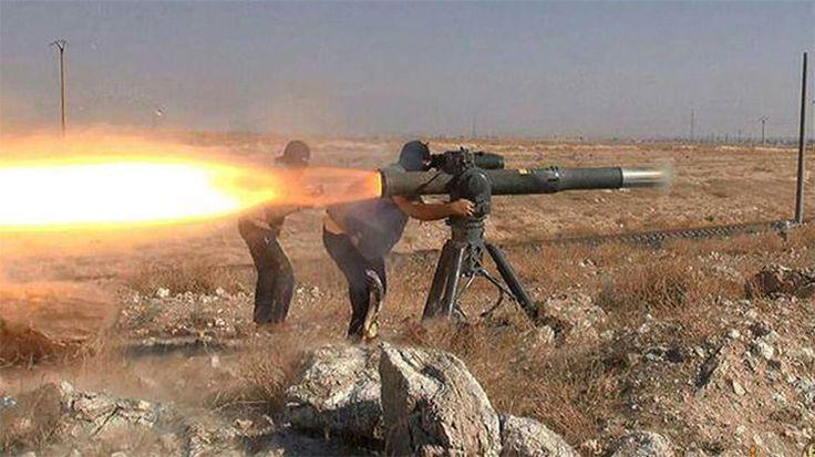 """""""No es un secreto que EE.UU. apoye abiertamente a la llamada 'oposición moderada' en Siria, cuyos miembros se están cada vez más del lado del Estado IsIámico. A pesar de que la ofensiva llevada a cabo por el Ejército sirio con el apoyo de la Federación de Rusia es exitosa, los terroristas, según los expertos, tienen mucho armamento estadounidense listo para ser utilizado"""", afirma el analista Dmitri Yurov."""