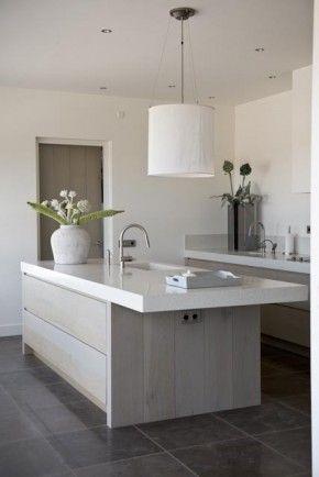 Keuken 3, ontwerp Piet-Jan van den Kommer. Ook deze keuken van Piet-Jan van den…