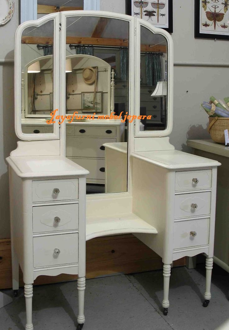 Jual meja rias kupu kupu minimalis putih dengan bahan baku kayu mahoni serta ukuran standard katalog.