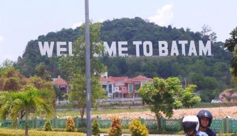 Pengembang Ekspansi ke Batam, Harga Tanah Naik 100 Persen | 06/04/2015 |  WE Online, Batam - Ketua DPD Real Estate Indonesia (REI) Khusus Batam Djaja Roeslim mengatakan kehadiran dua pengembang nasional ekspansi ke kota industri itu berdampak positif mengangkat gengsi wilayah, ... http://propertidata.com/berita/pengembang-ekspansi-ke-batam-harga-tanah-naik-100-persen/ #properti #ciputra #podomoro #resort #pondok-indah #sinar-mas