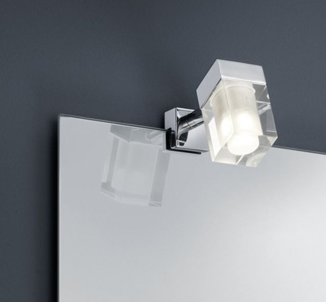 281980106 Trio - kúpeľňové LED svetlo na zrkadlo - kov+sklo