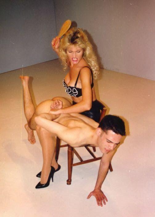 sexy naked women twerk