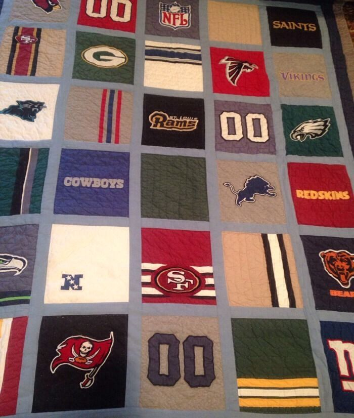 This is AMAZING!!   PB Teen Pottery Barn NFL NFC Football Quilt FULL Bears Packers Cowboys Rams EUC!