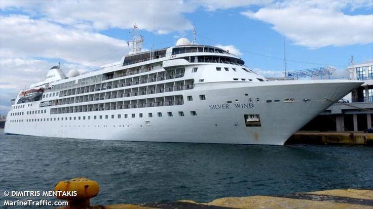 Το Silver Wind πλευρισμένο στον Πειραιά. 29/05/2015.