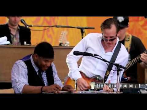 Robert Randolph and the family Band with Joe Bonamassa and Pino Daniele Going Down