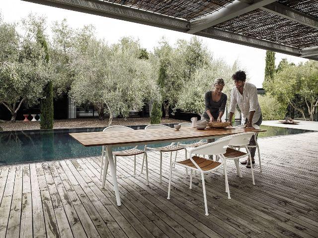 Split table & Curve dining chair te koop en te bezichtigen bij Van ...