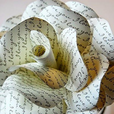 Best DIY Projects: Great roundup of paper flower tutorials from around the web.