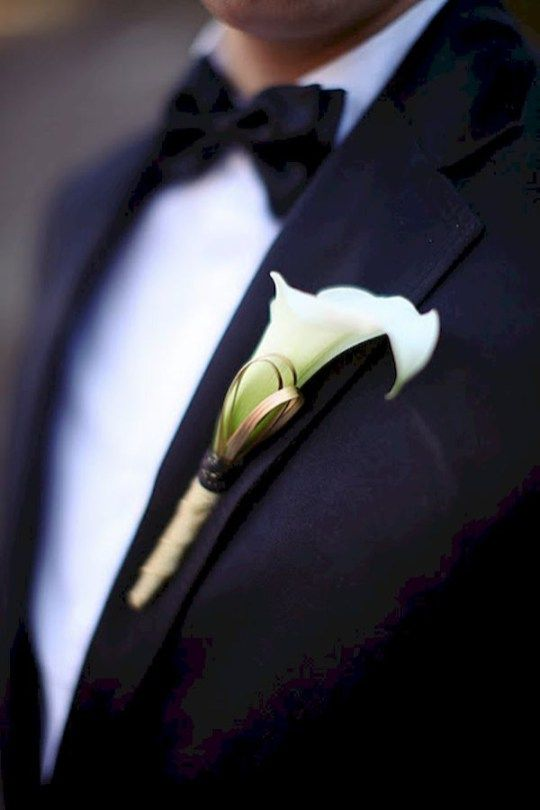 Elegant calla lilly boutonniere for perfect wedding (29)