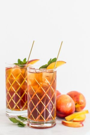 We're ringing in Summer with this super refreshing and simple peach iced tea…