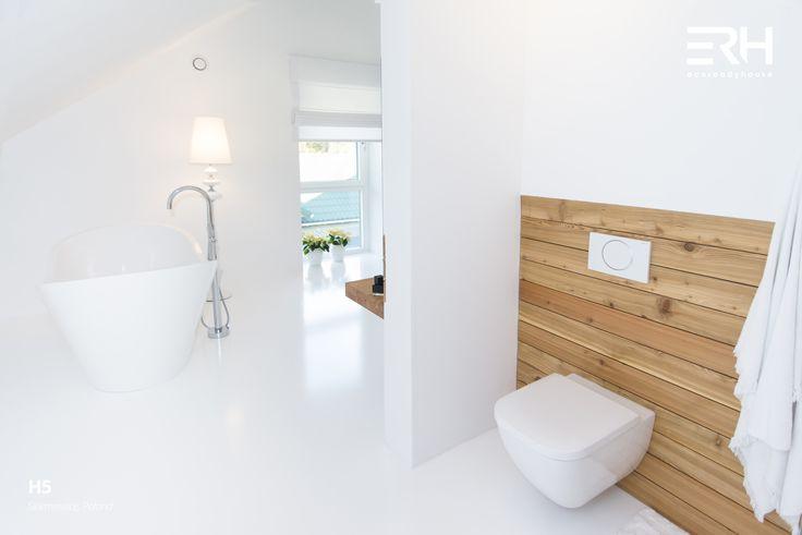 House H5 in Skierniewice, Poland #architecture #design #modernarchitecture #dreamhome #bigwindows #home #house #modernhome #modernhouse #moderndesign #homedesign #homesweethome #scandinavian #scandinaviandesign #lifestyle #stylish #interior #interiors #homeinterior #pastel #bathtube #woods #comfortzone #cozy #bedroom #bathroom #spazone #white #decor #openspace #ecoreadyhouse #erh