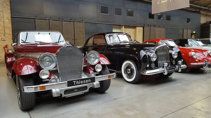"""Panther DeVille (1978) and Bentley R-Type Continental Coupé """"One-Off"""" by Franay at the Classic Remise Car Exhibition in Berlin  #berlin #travel #berlinbejby #germany #ClassicRemise #car #show #exhibition #oldcar #interior #panther #deville #bentley #coupe #galaxys6"""