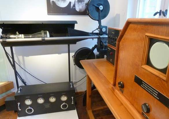 Ardenne Fernsehanlage2 world's first TV setup `1930 in Berlin by Manfred Von Ardenne.