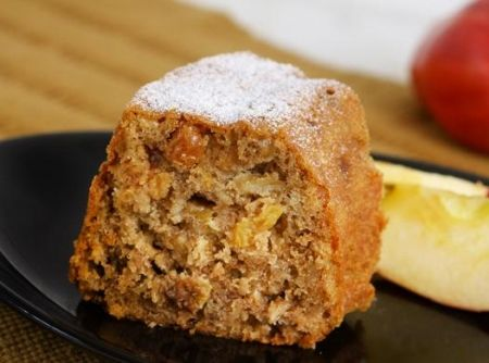 Bolo Úmido de Frutas - Veja como fazer em: http://cybercook.com.br/receita-de-bolo-umido-de-frutas-r-12-102576.html?pinterest-rec