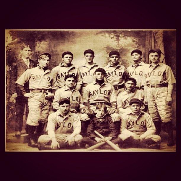 Baylor has been winning baseball games for a looooooong time. // #Baylor baseball, circa 1906. #sicem (photo via @bayloruniversity on Instagram)