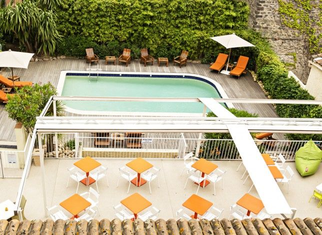 Bienvenue sur la Côte d'Azur, au QUALYS-HOTEL Matisse, situé au cœur de Sainte-Maxime, près des plages. Il dispose de 28 chambres élégantes avec climatisation, TV satellite, Wifi gratuit, coffre-fort, minibar et sèche-cheveux. Découvrez la belle piscine de l'hôtel. Aire de jeux pour enfants. Salon-bar et bibliothèque. Salle de réunion, garage fermé payant, local vélos. Les possibilités de balades en Provence-Alpes-Côte-d'Azur sont multiples: le golfe de Saint-Tropez ou l'arrière pays…