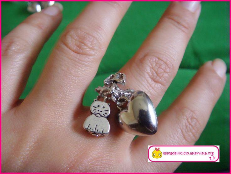Anello con charms per San Valentino