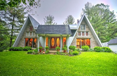 A 1974 double A-frame time capsule house: Twice the fun! - Retro Renovation