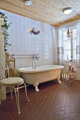 Log house for sale in Kangasniemi, Finland / bathroom.