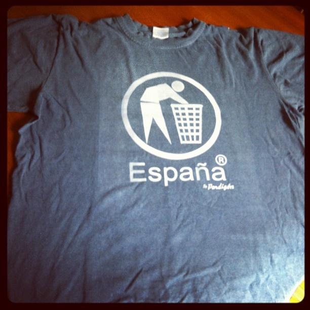 Camisetas serigrafía Marca España 7€. #marcaespaña #rajoy #pp #serigrafia #crisis  #camiseta #tshirt by Padu-Madrid on Flickr.