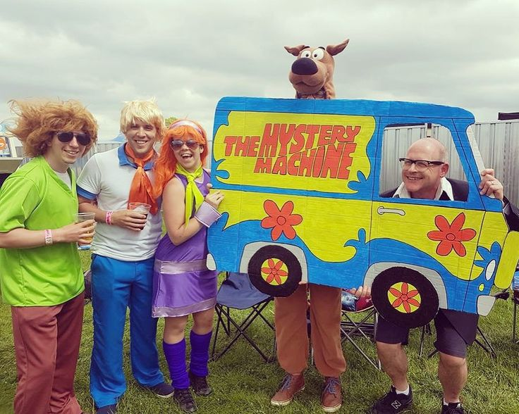 Harry hill with scooby doo and the gang! The best group fancy dress