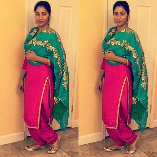 In pic @manusandhuuu #kudiyan #punjab #diyan #tohari #mutiaran #shoutout #patialashahi #suit #salwar #kaint #panjaban #punjabijutti #jatti #sohni #kudi #kaur #chakkweinsuit Dm your traditional dress's related to punjabi culture and let the world know your tohar Only rule - Full suit has to be visible in picture Will not accept group DM ❌