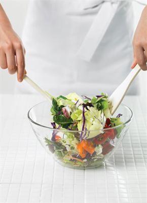 Femina.co.id: Rambu Meracik Salad Segar & Berkualitas #tipmemasak #kiatmemasak