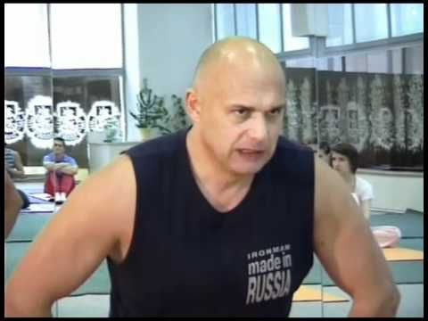 Основы суставной гимнастики демонстрирует Бубновский