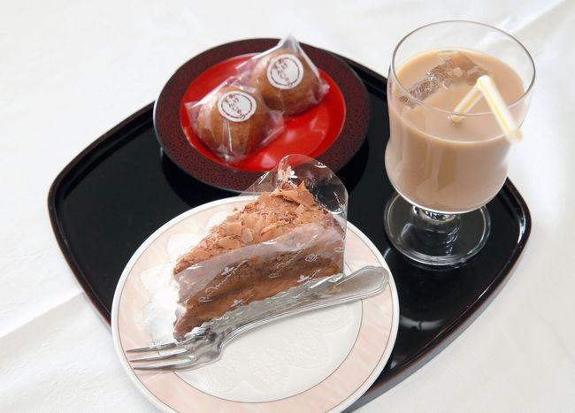 佐藤天彦八段のおやつ チョコレートケーキとカフェオレ