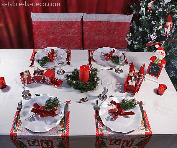 #Décoration de table - #Noël traditionnel http://www.a-table-la-deco.com/les-fetes-du-moment/noel-rouge-et-vert.html