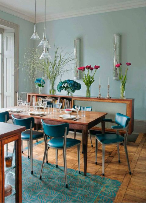 vintage style dining room in aqua and turquoise