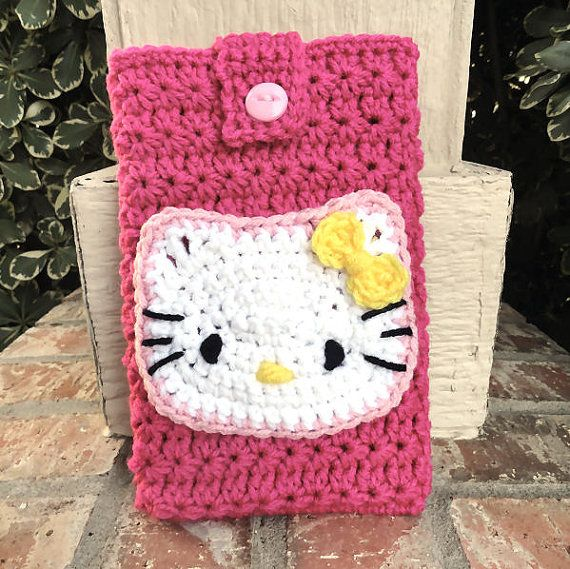 Crochet Hello Kitty E reader Cover by MadebyMTL on Etsy
