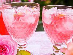 Rosenlimonade ist ein Rezept mit frischen Zutaten aus der Kategorie None. Probieren Sie dieses und weitere Rezepte von EAT SMARTER!