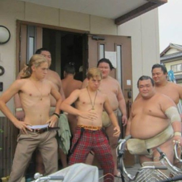 Cole And Dylan Sprouse Vs The Sumo Wrestlers From