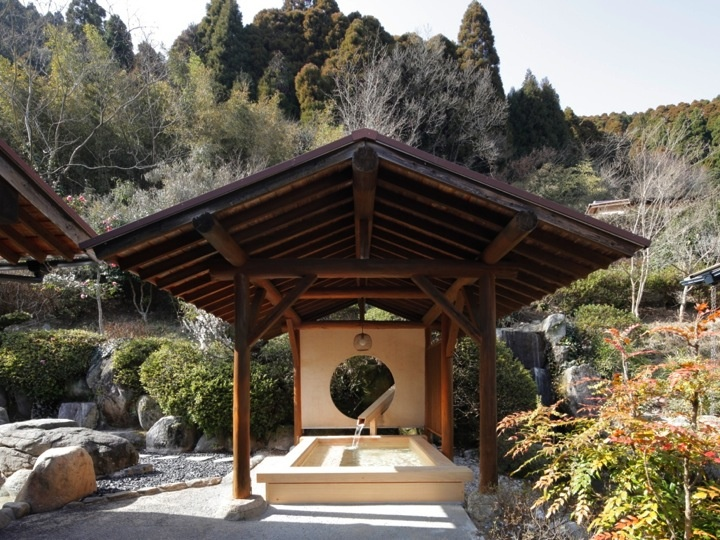 Furuyu Hot Spring that is found 2200 years ago   www.oncri.com
