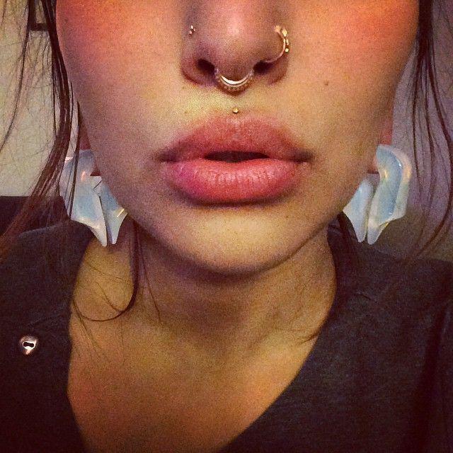 складывается жизнь фото пирсинг над губой и в носу вам известно, что