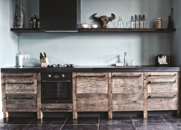 25 beste idee n over houten meubelen restaureren op pinterest geschilderde houten meubelen - Meubilair outdoor houten keuken ...