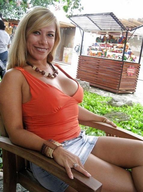 curvy girl in short skirt
