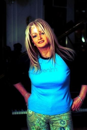 #bonnietyler #2000s #gaynorsullivan #gaynorhopkins #thequeenbonnietyler #therockingqueen #rockingqueen #music #rock