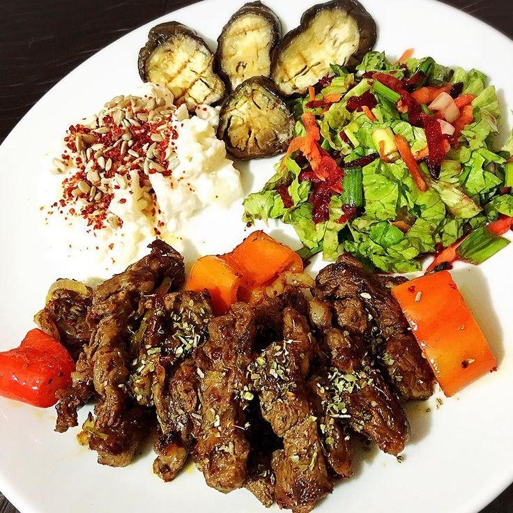 En güzel mutfak paylaşımları için kanalımıza abone olunuz. http://www.kadinika.com 17:30 2. ve son öğün. Soğanlı biberli kekikli biftek yoğurtlu karnıbahar ızgara patlıcan salata #karatay #akşamyemeği #karataydiyeti #diet #diyet #diyetkardeşliği #dinner #dinnertime #delicious #yummy #yum #cleaneating #cleanfood #fitfood #eat #eatclean #healthylife #lowcarb #hafifyemeli #lezzetkareleri #sunum #sunum_sayfasi #sunumduragi #mutfakgram #afiyetolsun #vakitkaratay