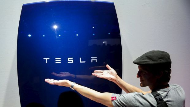 Dozens of companies from 10 countries are vying with Elon Musk's Tesla to install Australia's largest grid-scale battery. The South Australian state government had received 90 expressions of interest to set up a battery by December with about 100 megawatts of capacity to store wind and solar power. http://ift.tt/2osZIq9