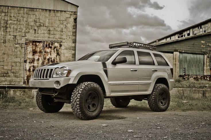 lifted silver jeep grand cherokee jeeps pinterest. Black Bedroom Furniture Sets. Home Design Ideas